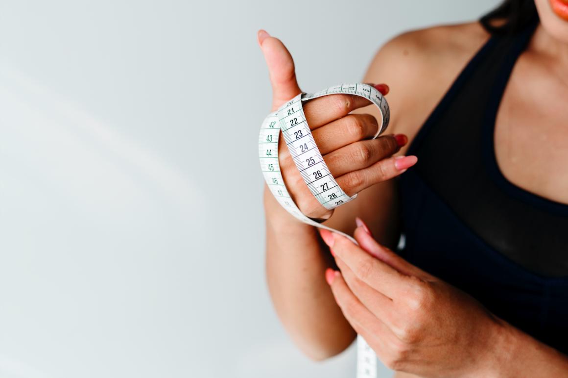 Dieta ketogeniczna powoduje spadek apetytu.