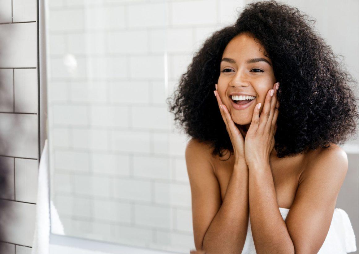 Retinol pomaga zmniejszyć zmarszczki, poprawić elastyczność ikoloryt skóry.